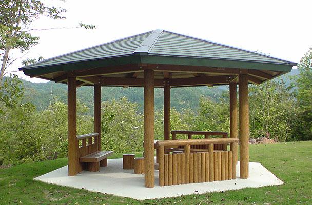 コンクリート擬木(PCギ木®)製造No.1の景観資材メーカー。コンクリートギ木のことなら「ナベシマ」にお任せ下さい。